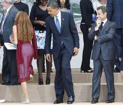 ObamaPeeks